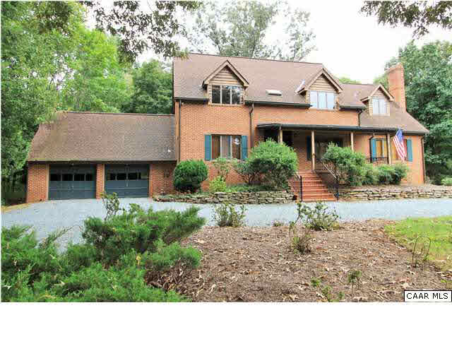 Property for sale at 3695 COUNTRY LN, Charlottesville,  VA 22901